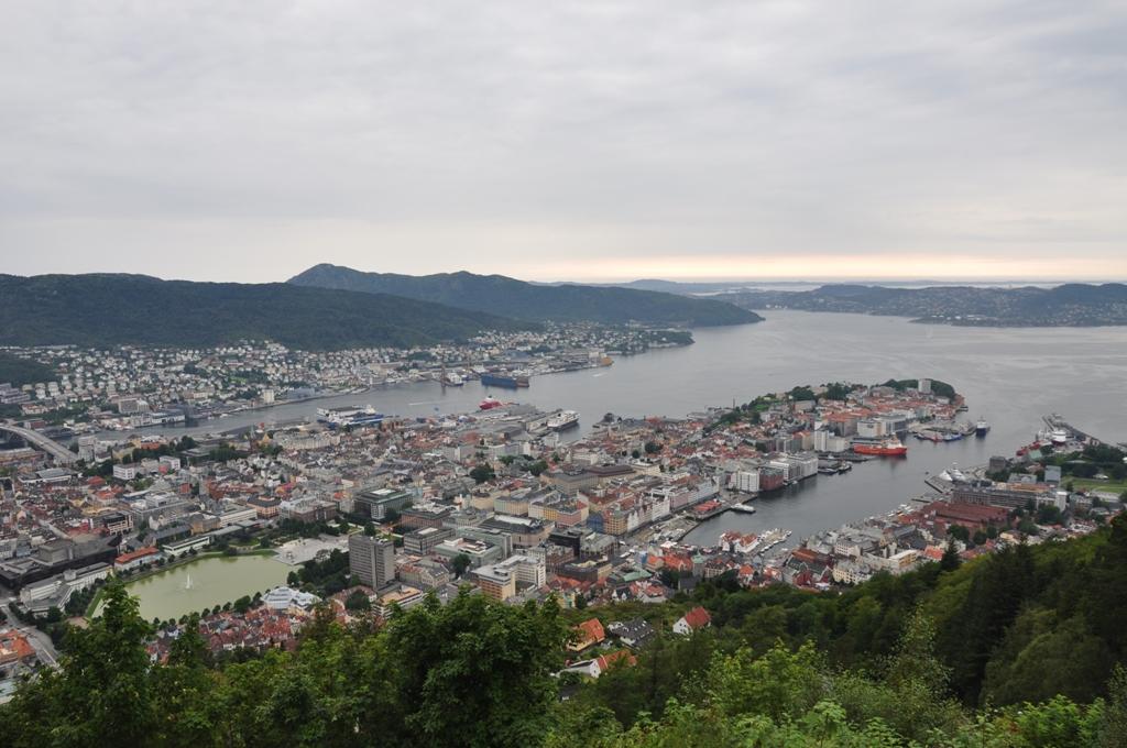 Bergeno panorama nuo kalno